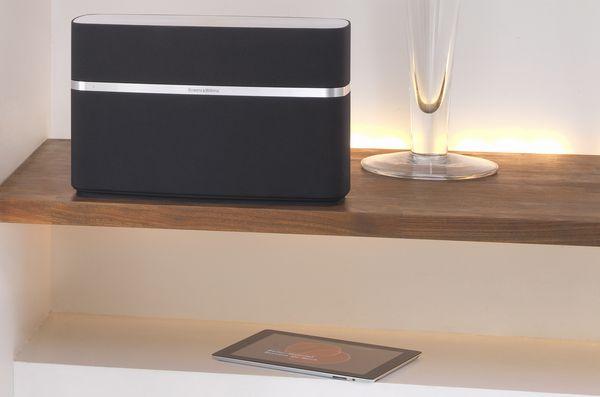 neue wireless musiksysteme von bowers wilkins. Black Bedroom Furniture Sets. Home Design Ideas
