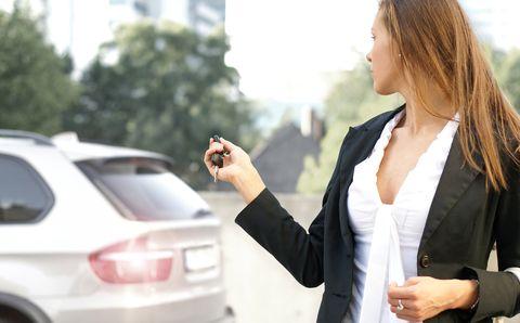 """""""Check My Car"""" macht Autokauf zur Frauensache"""