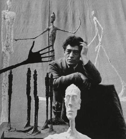 Alberto Giacometti mit Skulpturen, Photographie von Gordon Parks