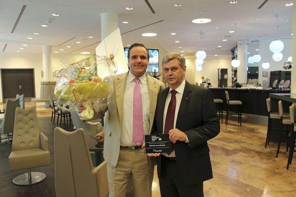 Frank Vesper (Revenue Manager) und Günter Jung (Direktion des Arcotel Onyx)