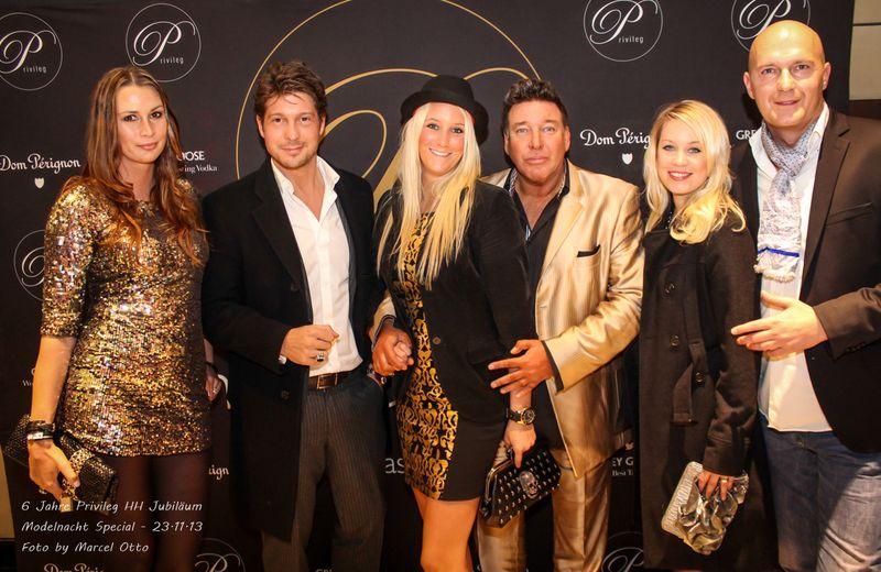 Michael Ammer mit Freundin Laura, Sebastian Deyle und Freunden