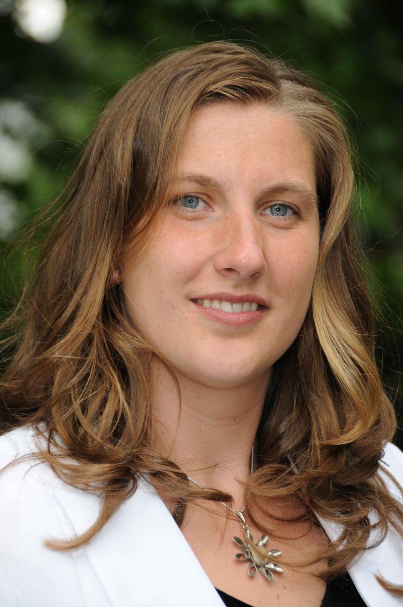Anne Stolze