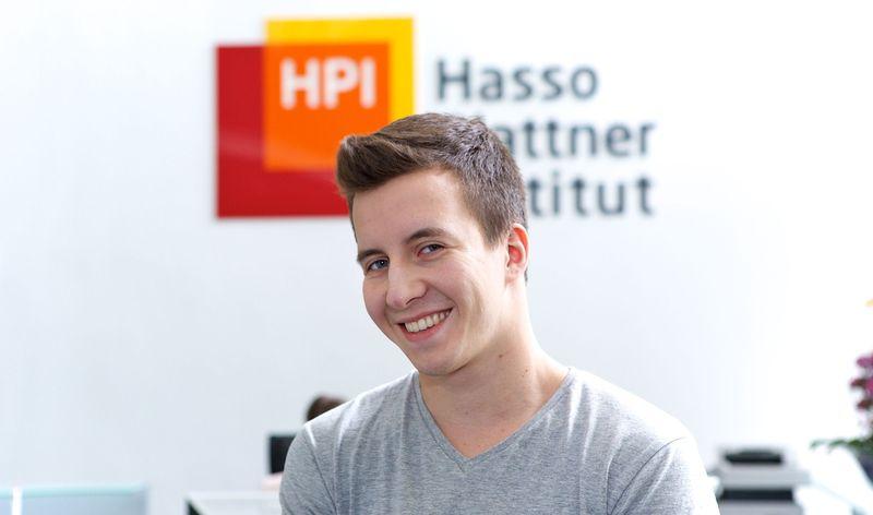 Merkel steht jungem Blogger des Hasso-Plattner-Instituts Rede und Auskunft