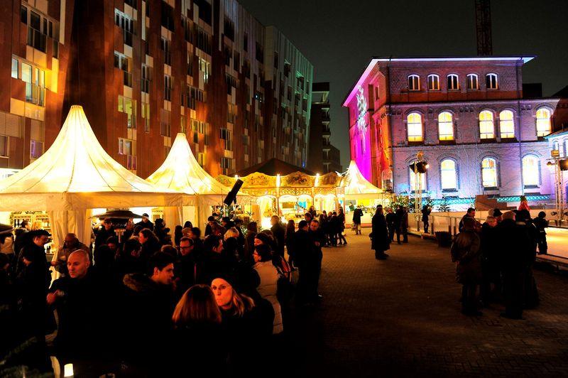Der Weihnachtsmarkt auf dem Überseeboulevard im Herzen der Hafencity