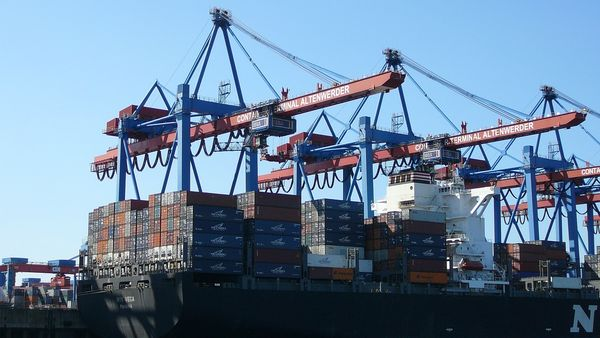 Der Hamburger Hafen ist einer der wichtigsten Eckpfeiler der Wirtschaft im Norden