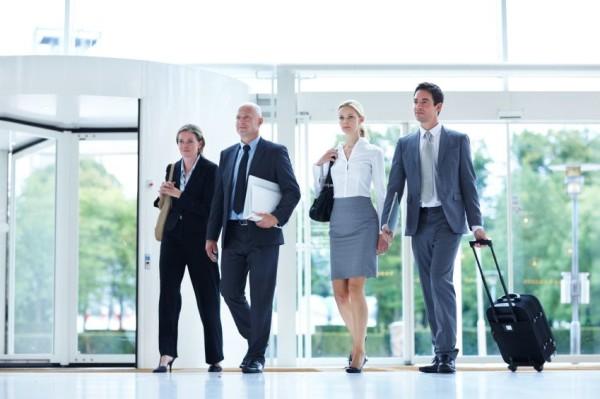 Immer mehr Menschen gehen mehrmals im Monat auf Geschäftsreisen in In- oder Ausland