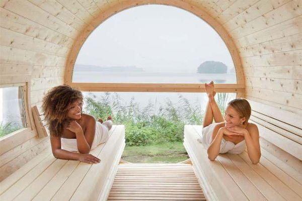 Tiefste allround Entspannung im 4-Sterne Seehotel Töpferhaus bietet die neue Sauna direkt am See