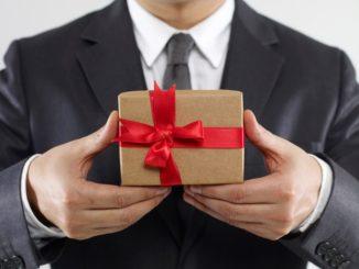 Kleine Geschenke erhalten die Freundschaft- und verbessern die Kundenbindung