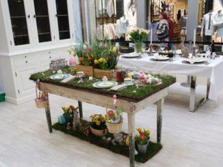 Easter-Table von Froonck (Vordergrund) und Sabine Kaack (Hintergrund)