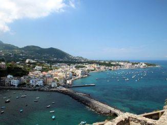 Der Hafen von Ischia