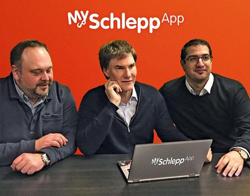 Die Gründer von MySchleppApp mit Investor Carsten Maschmeyer