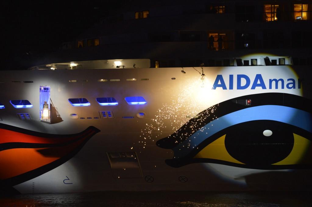 Am 12. Mai 2012 wurde AIDAmar in Hamburg feierlich getauft