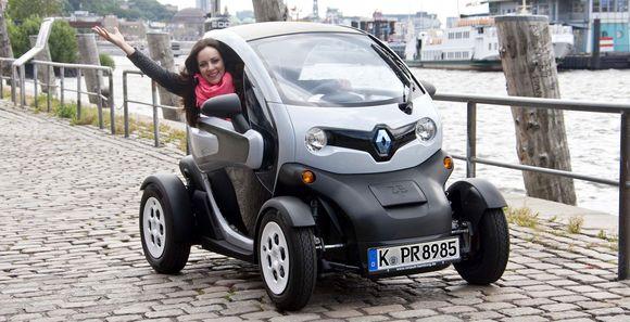 Jasmin Wagner im Renault Twizy