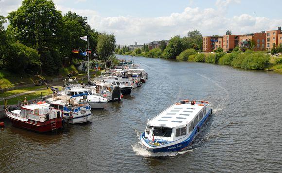 Die Bergedorfer Schifffahrtslinie schippert kreuz und quer auf Hamburgs Wasserstraßen