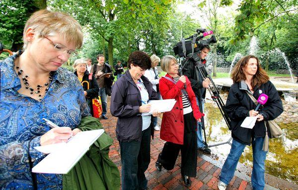 Gudrun Lang informiert in der Welt der Religionen über das Konzept der Gärten