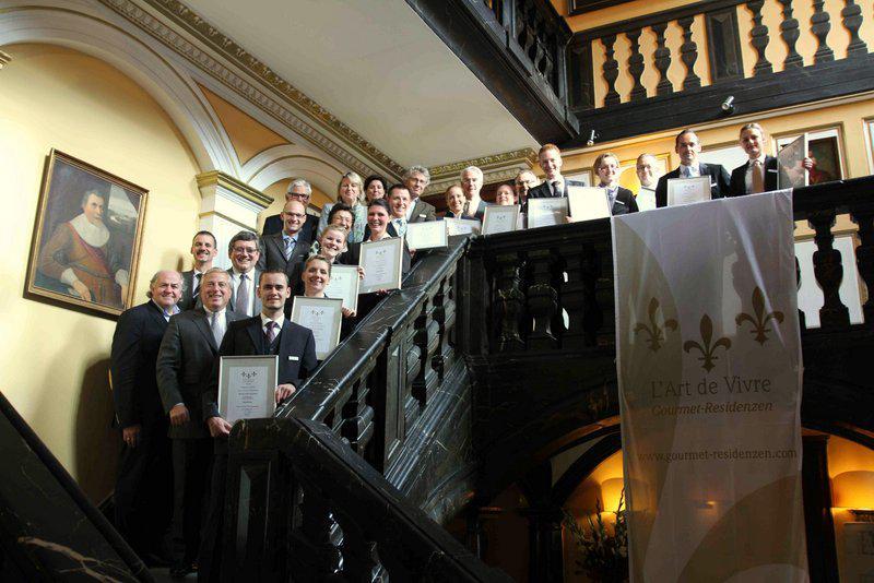Teilnehmer und Jury im Schlosshotel Hugenpoet