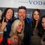 Michael Ammer mit Freundin Laura und Partygirls