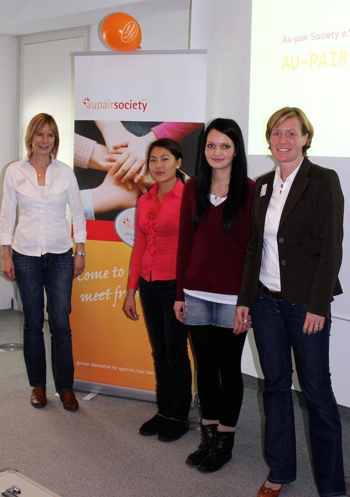 Susanne Caudera-Preil,Cholpon Choibekova Balkibekovna, Jennifer Lux, Annet Selbach (von links)