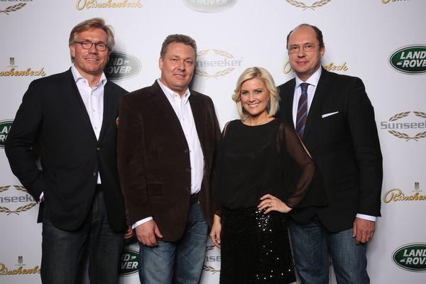 Torsten Sieckmann (Vorstand Sales & Marketing Sunseeker Germany), Wilhelm Rüschenbeck (Geschäftsführer Juwelier Rüschenbeck), Peter Gress (Brand Director Land Rover Deutschland) mit RTL-Moderatorin Jennifer Knäble