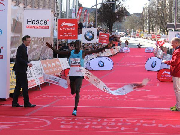 Hamburg Marathon: Eliud Kipchoge gewinnt mit Streckenrekord