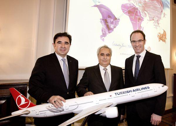 Cemil Tezgha (Hamburg Direktor Turkish Airlines), Devrim Ötztürk (Generalkonsul der Türkei), Dr. Jörgen Kearsley (Leiter Aviation Marketig Flughafen HH)