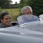 Katarina Witt und Ulrich Knieps, Leiter BMW Classic, im BMW 328