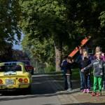 Michale Blumenstein (Opel-Presseteam) und Co-Pilotin Katharina Thalbach im Opel GT