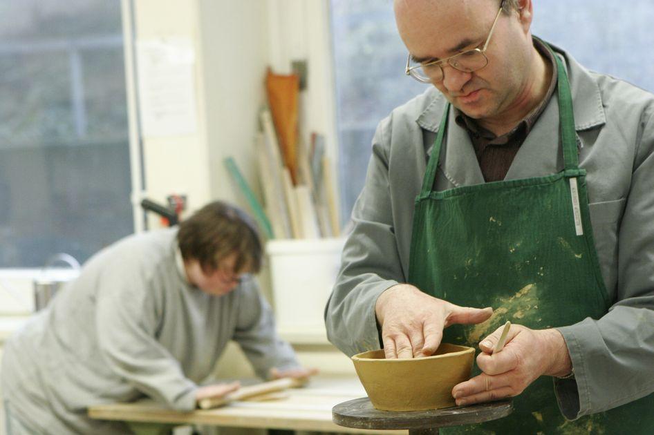 Handgeformt und einzigartig: Töpferwaren aus den Elbe-Werkstätten