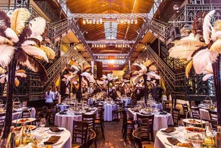 Alles im Stil der 20er Jahre: Party Rent inzsniert die Fischauktionshalle in Hamburg