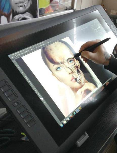 Photoshop für Tattoo-Künstler: Seminare mit Roger Hassler in Hamburg