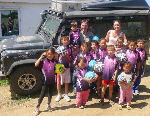 Für die Stiftung Mittagskinder bis in die Mongolei