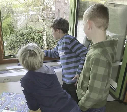 Der Elbcampus der Handwerkskammer Hamburg und der Regionalverband Umweltberatung Nord laden Kinder und Eltern ein, das Zimmerwetter zu erforschen.