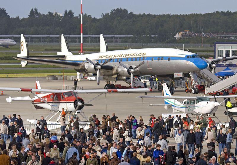 Bereits 2007 (Airport Days) und 2011 (Flughafengeburtstag) veranstalteten Hamburg Airport und Lufthansa Technik große Luftfahrt-Events auf dem Flughafengelände.