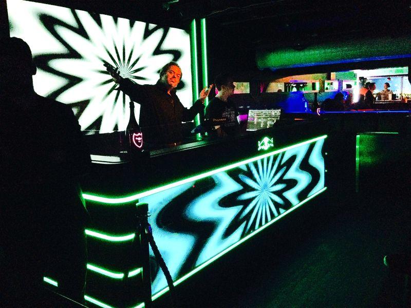 Privileg: DJ Columbus und die neuen LED Walls