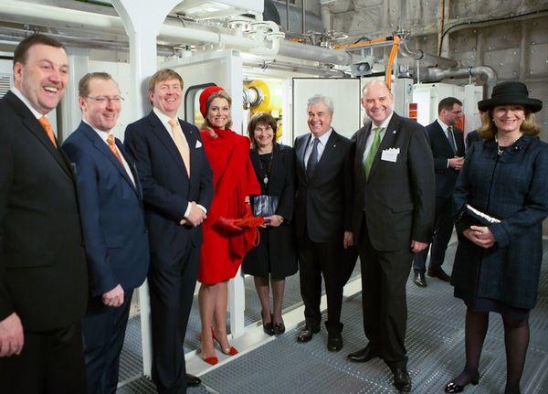 König Willem-Alexander und Königin Máxima informieren sich über weltweit erstes Projekt zur Energieversorgung von Kreuzfahrtschiffen mit LNG