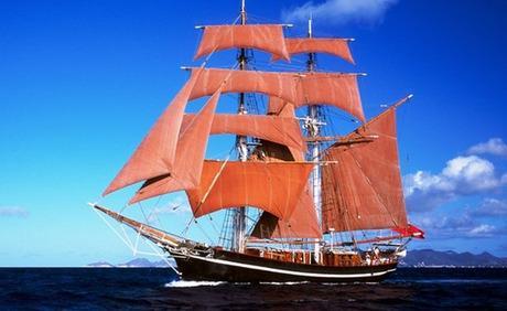 Spaß und Genuss mit Segelschiff-Atmosphäre