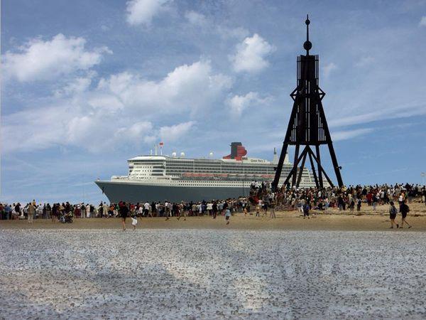 Am besten mit Fernglas: Schiffe gucken in Cuxhaven