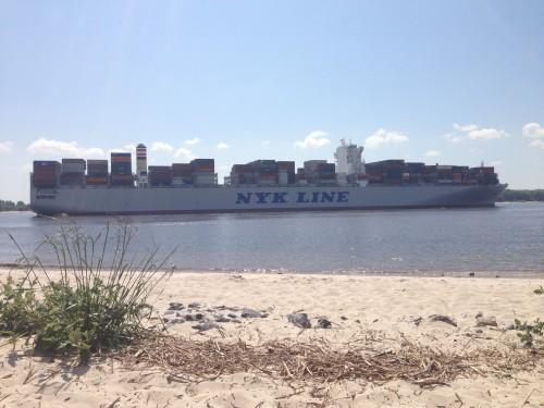 Auf der Elbe ist mehr Verkehr
