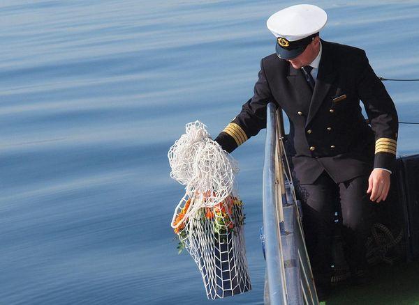 Seebeisetzung in der Ostsee ab Travemünde mit der Farewell II