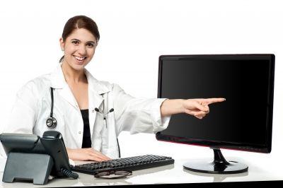 Ihr ist das Lachen noch nicht vergangen - das kann sich aber bald ändern: Das Gesundheitswesen erstickt in Bürokratie und Datenmassen