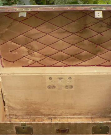 Louis Vuitton Malle Rayee Courier vor Restauration