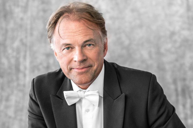 Thomas Hengelbrock, Chefdirigent des NDR Elbphilharmonie Orchester