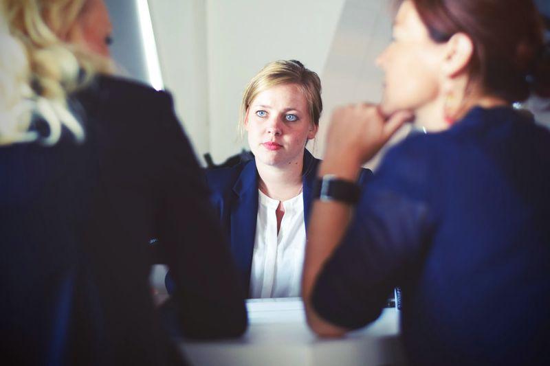 Wie bereitet man sich erfolgreich auf ein Vorstellungsgespräch vor?