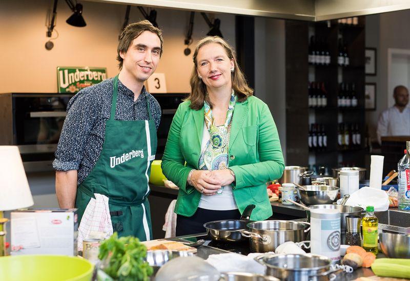 Frau Dr. Hubertine Underberg-Ruder mit dem Gewinner Dominic van Deyk
