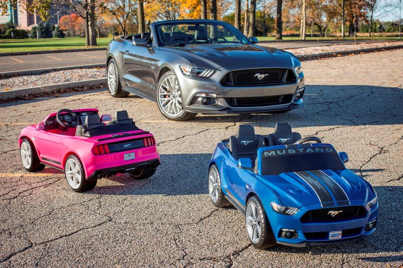 Ford Mustang mit Power Wheels Fahrspielzeug Mustang in Pink von Fisher-Price