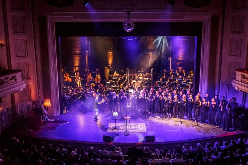 Alexander Knappe und das Philharmonische Orchester Cottbus geben Gas