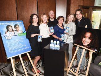 Katharina Widera (SOS-Kinderdorf), Mon Muellerschoen, Nils Weigelt (Wrigley, Marketing Director Germany), Elke Tesarczyk (SOS-Kinderdorf), Victoria Swarovski, Peter Badge