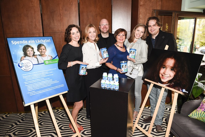 Katharina Widera (SOS-Kinderdorf), Mon Muellerschoen, Nils Weigelt (Wrigley, Marketing Director Germany), Elke Tesarczyk (SOS-Kinderdorf), Victoria Swarovski, Peter Badge
