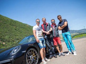 Walter Röhrl mit Familie Fink vom Hotel Andreus im Safety Park Pfatten in Südtirol