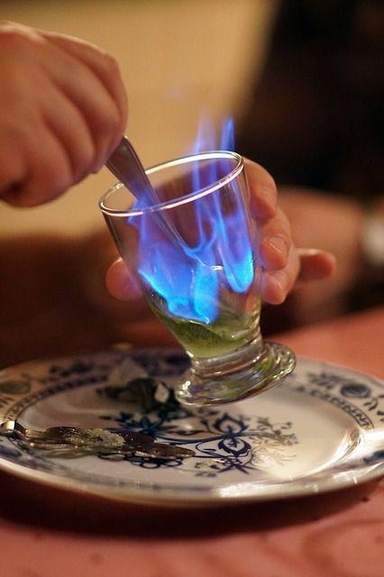 Berühmte Absinth-Trinker waren Vincent van Gogh, Oscar Wilde und Ernest Hemingway